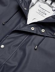Knowledge Cotton Apparel - Long rain jacket /Vegan - sadetakit - total eclipse - 4