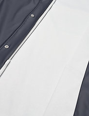 Knowledge Cotton Apparel - Long rain jacket /Vegan - sadetakit - total eclipse - 6