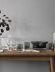 Kosta Boda - LIMELIGHT WINE GLASS XL 2-PACK 35CL - vinglass - clear - 1