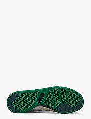 Lacoste Shoes - COURT SLAM 319 2 SMA - matalavartiset tennarit - wht/grn lth - 4