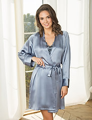 Lady Avenue - Pure Silk - Short Kimono - morgonrockar - pigeon blue - 0