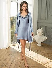 Lady Avenue - Pure Silk - Short Kimono - morgonrockar - pigeon blue - 4