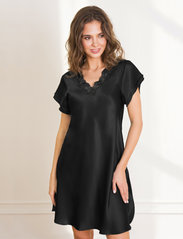 Lady Avenue - Pure Silk - Nightgown w.lace, short - nachthemden - black - 0