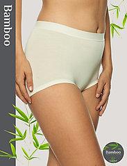 Lady Avenue - Short Bamboo Panty - broekjes - off-white - 0