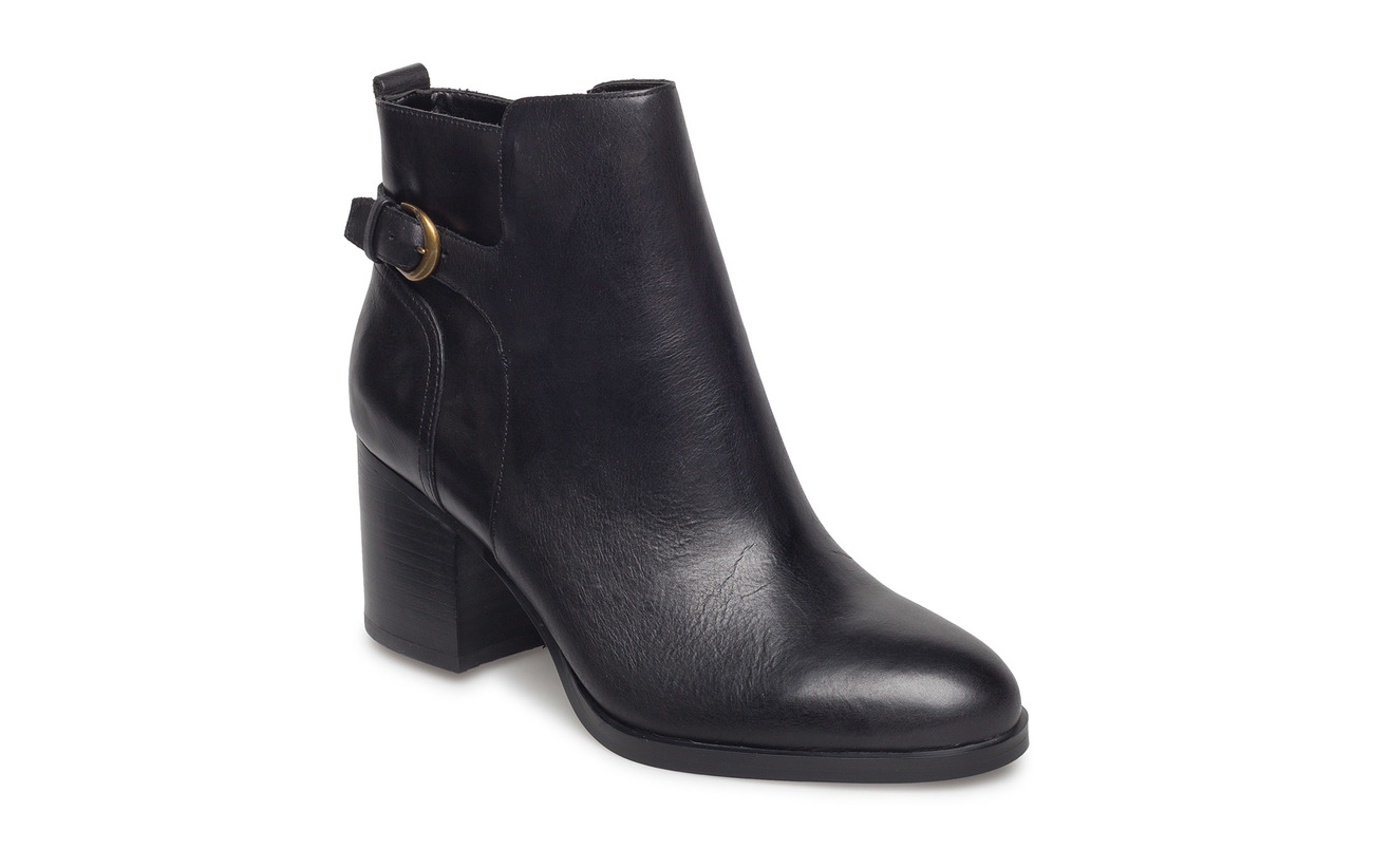 Lauren Ralph Lauren Ginelle Leather Boot