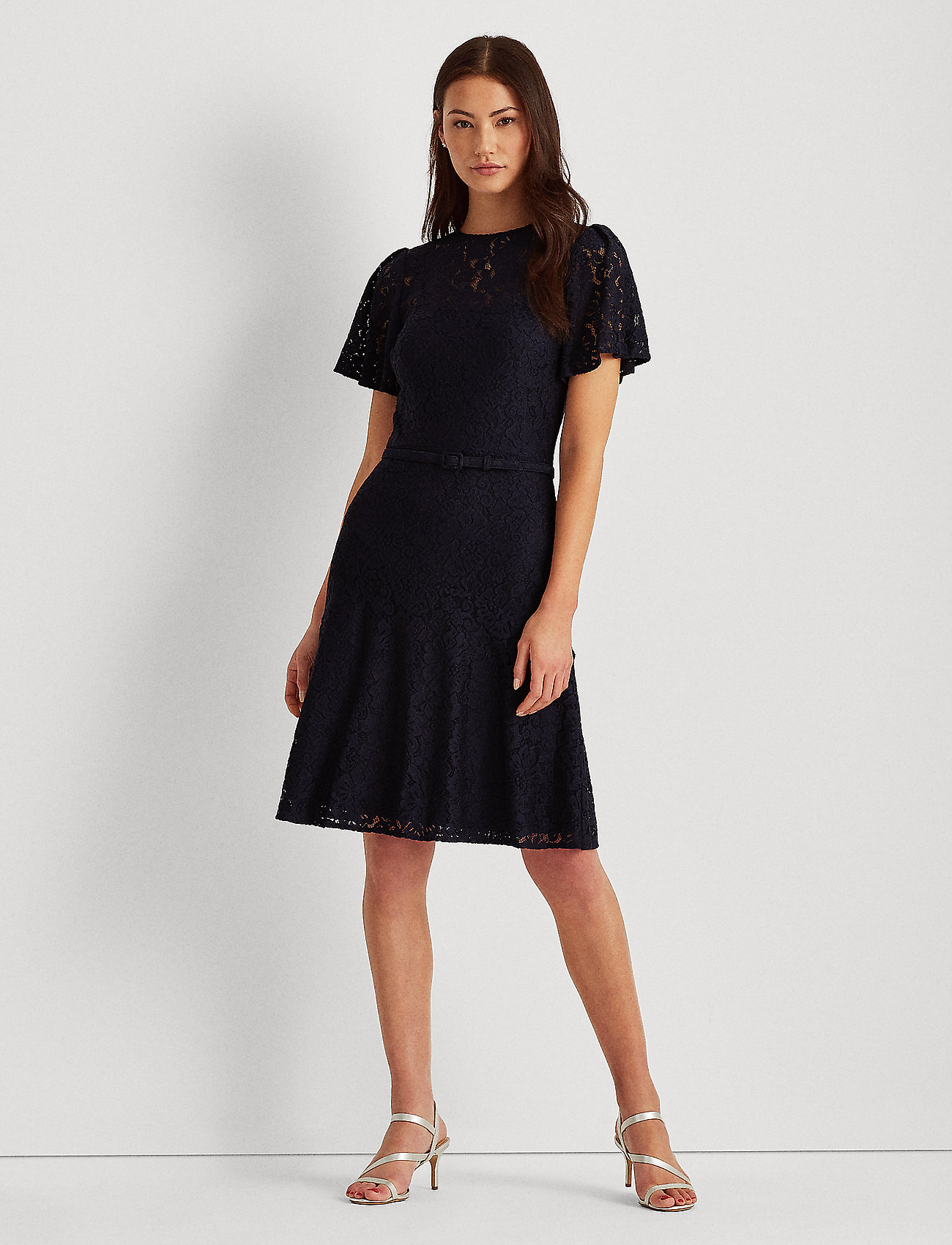 Lauren Ralph Lauren - Belted Lace Dress - cocktail-kjoler - lighthouse navy - 0