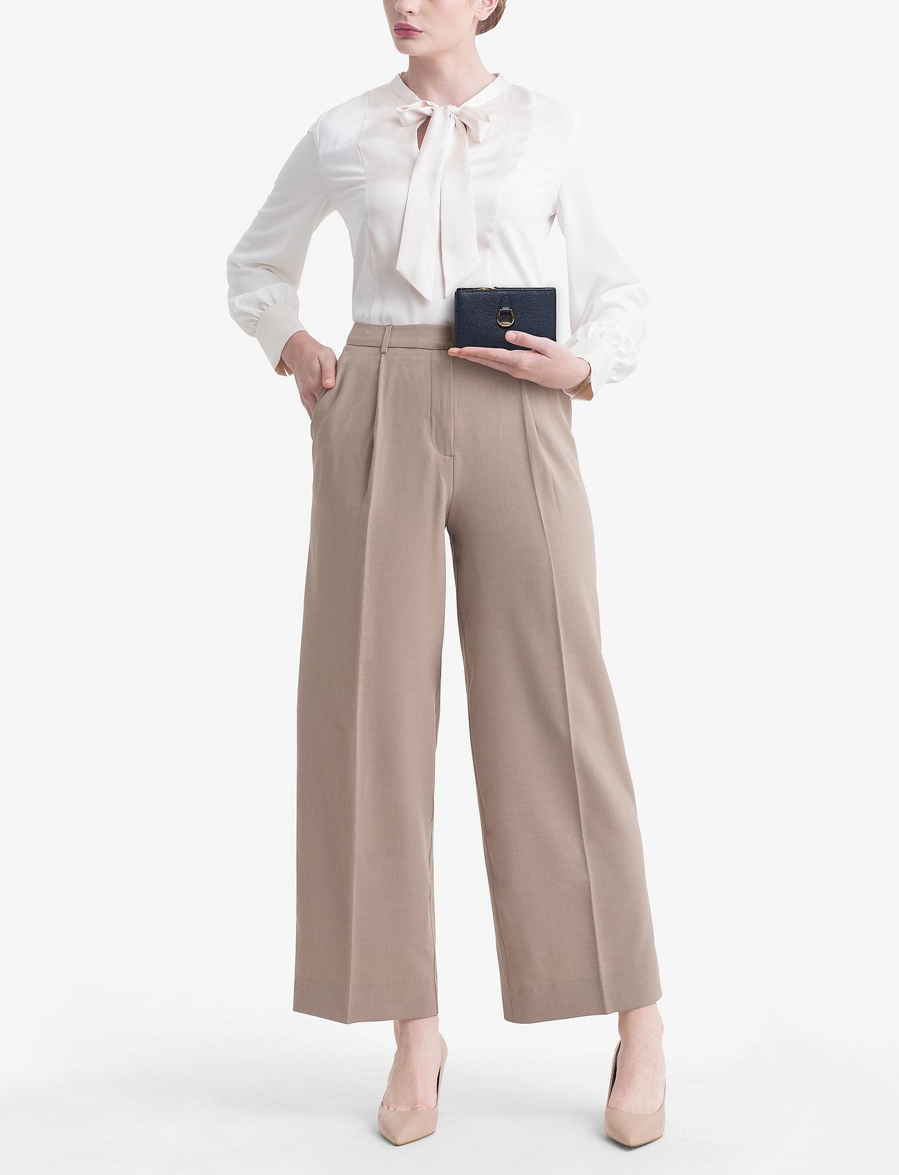 Lauren Ralph Lauren Compact Leather Wallet