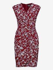Lauren Ralph Lauren - Floral Pleated Surplice Dress - midi kjoler - vibrant garnet/co - 1