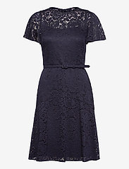 Lauren Ralph Lauren - Belted Lace Dress - cocktailkjoler - lighthouse navy - 1