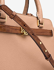 Lauren Ralph Lauren - Leather Medium Fenwick Satchel - håndtasker - nude/deep saddle - 3