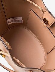 Lauren Ralph Lauren - Leather Medium Andie Drawstring Bag - bucketväskor - nude - 4