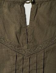 Lauren Ralph Lauren - Embroidered Bell-Sleeve Top - langærmede bluser - dry olive - 5