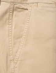 Lauren Ralph Lauren - Slim Fit Stretch Chino Pant - chinos - birch tan - 3