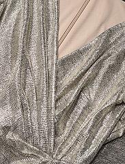 Lauren Ralph Lauren - Metallic Ruffle-Trim Gown - aftenkjoler - beige/gold - 2
