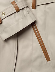 Lauren Ralph Lauren - Faux Leather–Trim Trench Coat - trencze - tone cream - 3