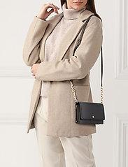 Lauren Ralph Lauren - Leather Medium Crossbody Bag - na ramię - black - 1