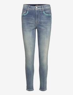 High-Rise Skinny Ankle Jean - skinny jeans - mojave blue wash