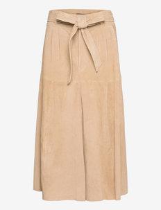 Belted Suede Midi Skirt - midi kjolar - camel