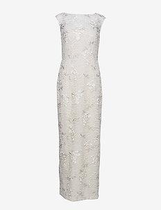 Floral Lace Gown - robes de dentelle - cashew