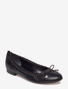 Glennie III Leather Flat - BLACK