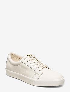 Reaba Leather Sneaker - ARTIST CREAM