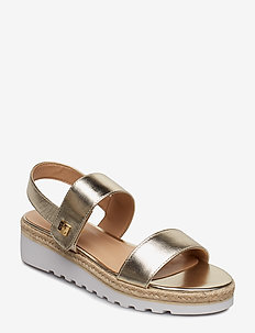 Jewelle Metallic Sandal - PLTNO