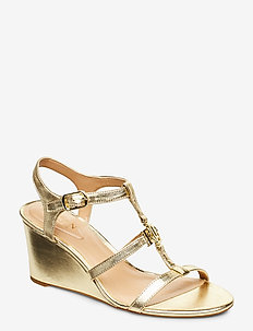 Charlton Metallic Wedge Sandal - PALE GOLD
