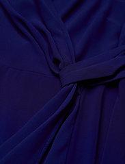 Lauren Women - Surplice Georgette Dress - slå-om-kjoler - cannes blue - 3