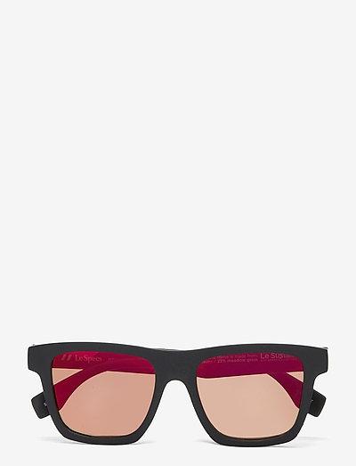LE SUSTAIN - GRASSY KNOLL - okulary przeciwsłoneczne motyl - black grass w/ red mirror