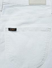 Lee Jeans - MOM SHORT - denimshorts - off white - 4