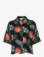 Lee Jeans - FLORAL RESORT SHIRT - overhemden met korte mouwen - black - 0