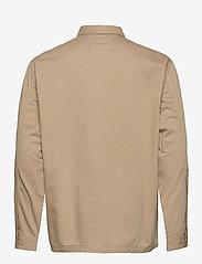 Lee Jeans - BOX POCKET OVERSHIRT - tops - service sand - 1