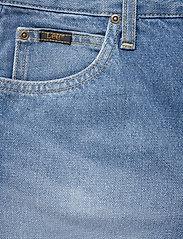 Lee Jeans - THELMA SHORT - denimshorts - worn callie - 2
