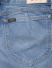 Lee Jeans - THELMA SHORT - denimshorts - worn callie - 4