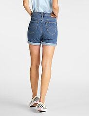 Lee Jeans - MOM SHORT - denimshorts - mid stonewash - 3