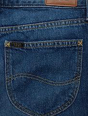 Lee Jeans - BOYFRIEND SHORT - denim shorts - flick dark - 4