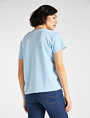 Lee Jeans - GARMENT DYED TEE - t-shirts - sky blue - 3