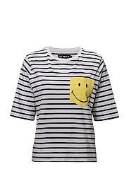 SMILEY POCKET T - WHITE