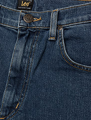 Lee Jeans - BROOKLYN STRAIGHT - relaxed jeans - mid stonewash - 3