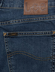 Lee Jeans - BROOKLYN STRAIGHT - relaxed jeans - mid stonewash - 4