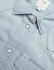 Lee Jeans - SLEEVELESS SHIRT - jeansowe koszule - sterling blue - 2
