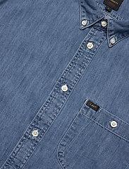 Lee Jeans - RIVETED SHIRT - peruspaitoja - washed blue - 2