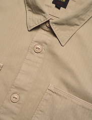Lee Jeans - BOX POCKET OVERSHIRT - tops - service sand - 3