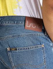 Lee Jeans - 5 POCKET SHORT - farkkushortsit - soft mid aliso - 4