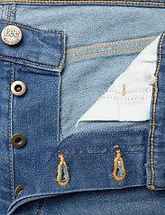 Lee Jeans - 5 POCKET SHORT - denim shorts - maui mid - 3