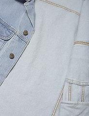 Lee Jeans - LEE RIDER JACKET - denim jackets - light alton - 4