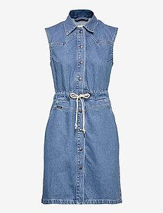 DRAWSTRING DRESS - skjortekjoler - clean callie