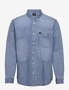 RIVETED SHIRT - denim shirts - frost blue