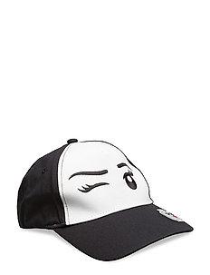 CAMILLA 121 - CAP - BLACK