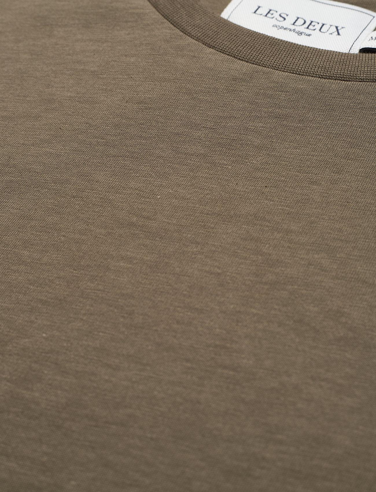 Les Deux Nørregaard T-Shirt - T-skjorter TURTLE GREEN/ORANGE - Menn Klær